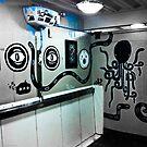 Graffiti toilet by Tim Topping