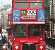 London Buss by Robin Read