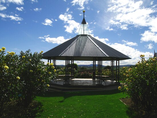 Rotunda - National Rose Garden - Tasmania