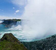 Niagara Falls by Yukondick