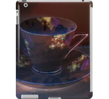 Retro Deep Purple Teacup iPad Case/Skin