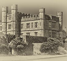 Leeds Castle Nostalgic 2 by Chris Thaxter