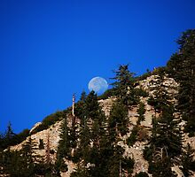 Moonset On Mt. Baldy by Ron Hannah