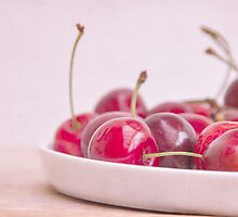 still life with cherries by Iris Lehnhardt