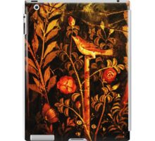 POMPEII COLLECTION NIGHTINGALE WITH RED ROSES iPad Case/Skin