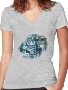 MACHINERY TEE/KIDS CLOTHES.STICKER Women's Fitted V-Neck T-Shirt