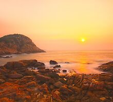 Sunrise in Hong Kong by kawing921