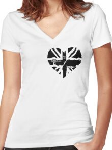 British At Heart (pocket) Women's Fitted V-Neck T-Shirt