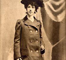 Sadie Mae Egbert Engagement Photo 1902 by Jane Neill-Hancock