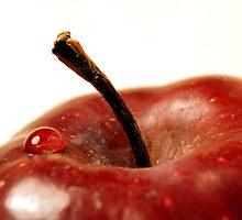drop on an apple by iquraishi