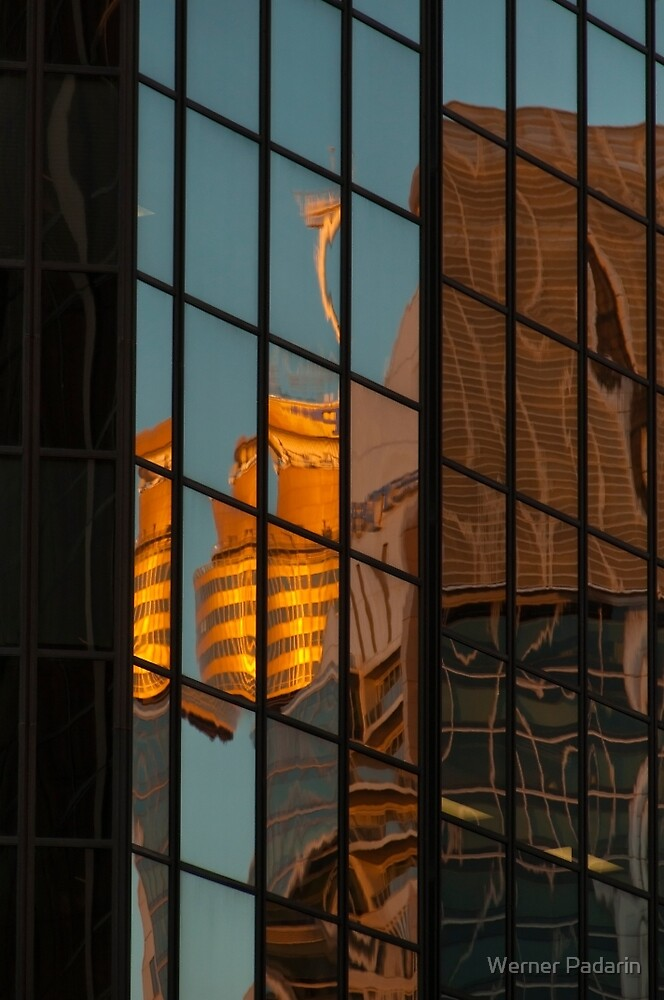 Centrepoint Hiding by Werner Padarin