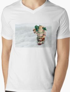 Father Christmas Old Fashioned in Snow Mens V-Neck T-Shirt