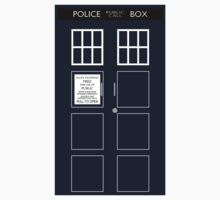 TARDIS Front by zachsbanks