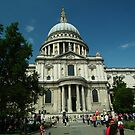 St Pauls Cathedral by mike  jordan.