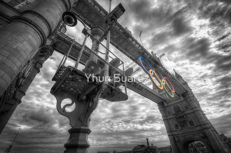 Tower Bridge Olympic Rings by Yhun Suarez