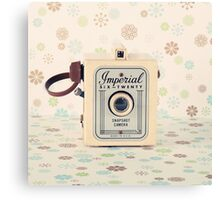 Retro - Vintage Pastel Camera on Cream Pattern Background  Canvas Print