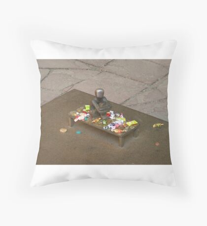 Iron Boy gets gifts Throw Pillow