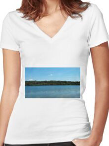 Chilled on the lake Women's Fitted V-Neck T-Shirt