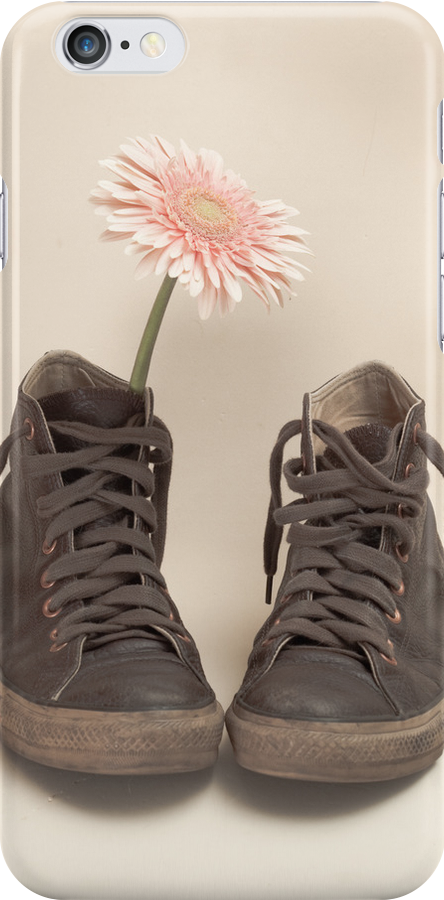 Converse and Pink Flower  by Andreka