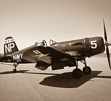 f4U Corsair by tahigens