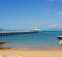 Picnic Bay, Magnetic Is.  Qld  Australia.  by Margaret Stanton