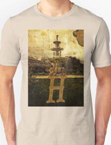 Grungy Melbourne Australia Alphabet Letter H Hochgurtel Fountain T-Shirt