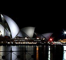 Sydney Opera House by philcoop