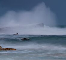 Storm Surf by bazcelt