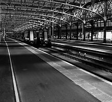 Platform 13, Glasgow Central Station by KieranHamilton