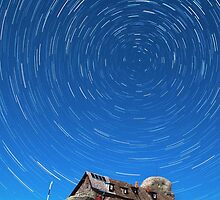 Startrails above Omu Hut by Catalin Pomeanu
