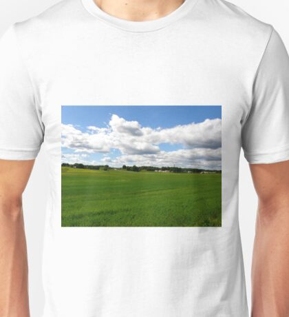 Under the clouds... Unisex T-Shirt