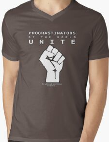 Procrastinators! UNITE! ..In an hour or two.. Mens V-Neck T-Shirt