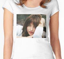 Dakota Johnson Women's Fitted Scoop T-Shirt