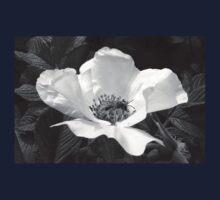 Black Jetbead Flower (bw) Kids Tee