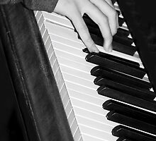 Chopin, The Right Hand by heatherfriedman