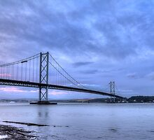 Forth Road Bridge by chilipenguin