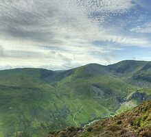 Coledale Panorama by Jamie  Green