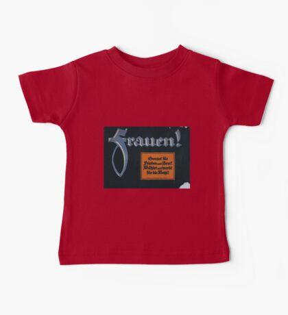 Frauen! Sorget für Frieden und Brot! Wählet und werbt für die Wahl! 1379 Baby Tee