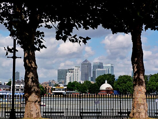 Canary Wharf, London by Lynn Bolt