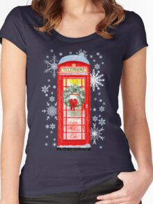 British Red Telephone Box In Falling Christmas Snow Women's Fitted Scoop T-Shirt