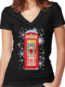 British Red Telephone Box In Falling Christmas Snow Women's Fitted V-Neck T-Shirt
