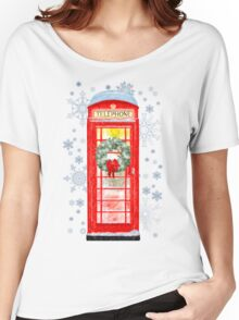 British Red Telephone Box In Falling Christmas Snow Women's Relaxed Fit T-Shirt