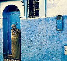 THE COLOUR OF HER DRESS IS PERFECT WITH THE REST OF THE PLACE!!! Morocco by Edith Cupid