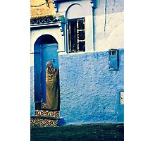 THE COLOUR OF HER DRESS IS PERFECT WITH THE REST OF THE PLACE!!! Morocco Photographic Print