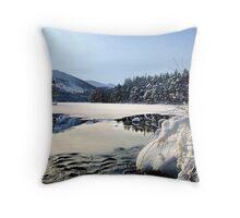 Loch an Eilien, Aviemore Throw Pillow