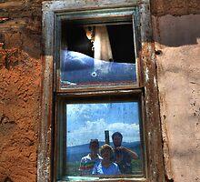 Window reflection by zumi