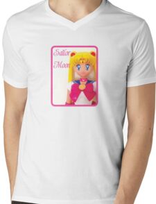 I am Sailor Moon Mens V-Neck T-Shirt