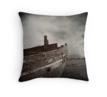Dreams of places far away Throw Pillow