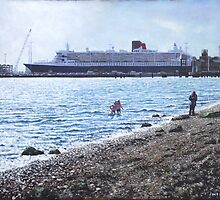 Cunard Queen Mary at Weston shore, Southampton by martyee
