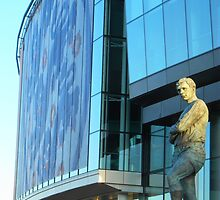 Bobby Moore Stutue, Wembley by CliveSluter